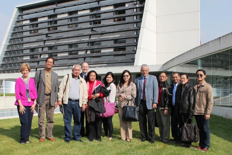 Visita de periodistas de los principales periódicos filipinos a CENER.