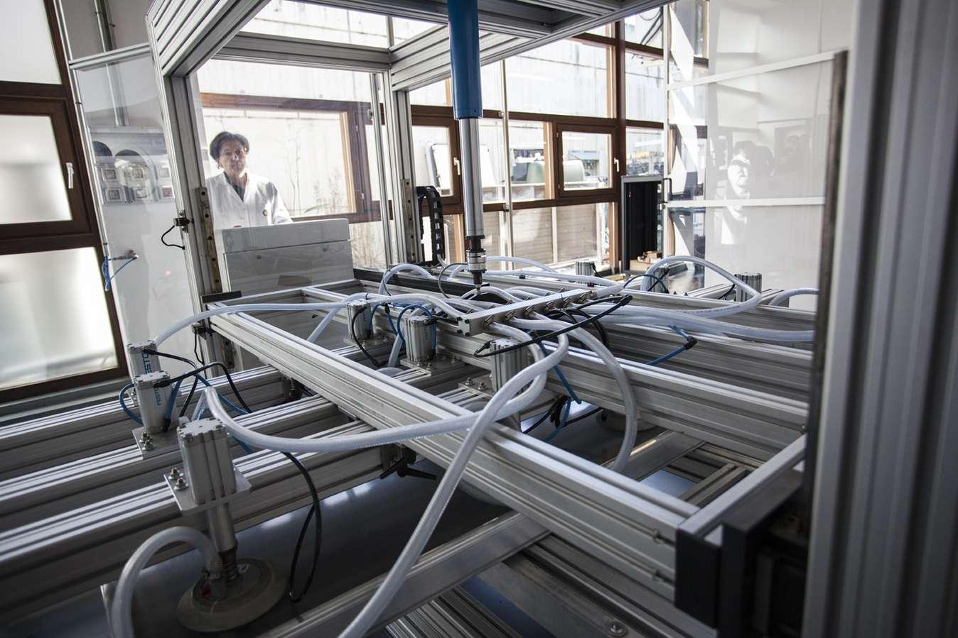 El Laboratorio De Módulos Fotovoltaicos De CENER, Uno De Los Primeros A Nivel Mundial En Conseguir La Acreditación Para Ensayar Según La Nueva Edición De La Norma IEC-61215:2016