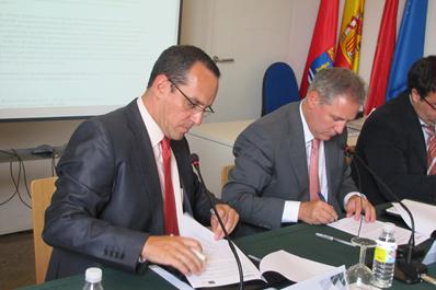 El centro asociado de la uned en tudela y cener firman un for Centro asociado de madrid