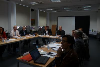 Representantes del MIT se reunen en CENER con los agentes de la Mesa de Movilidad Sostenible de Navarra