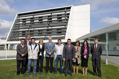 La Comisión de Innovación, empresa y empleo del Parlamento visita CENER