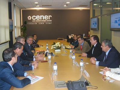 El consejero de industria de La Rioja visita CENER
