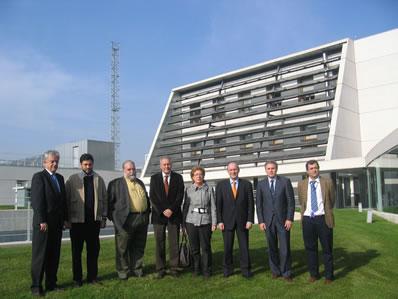 Miembros de la Comisión de Industria del Congreso visitan Cener