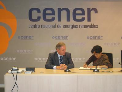 José Javier Armendáriz, Director General de CENER, y Sujata Mehta, Embajadora