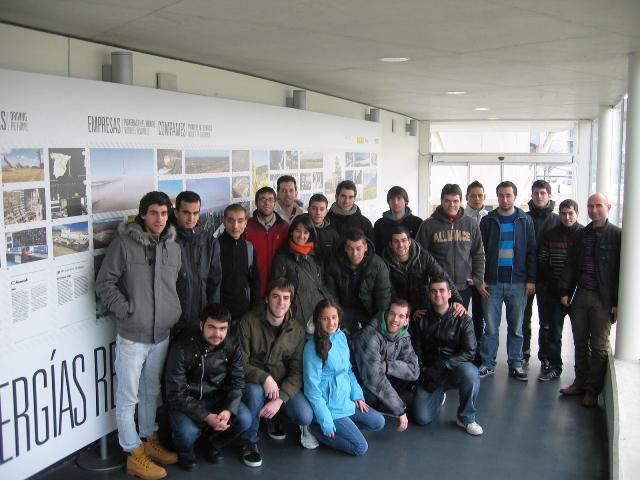 Visita de alumnos del centro educativo Egibide de Vitoria