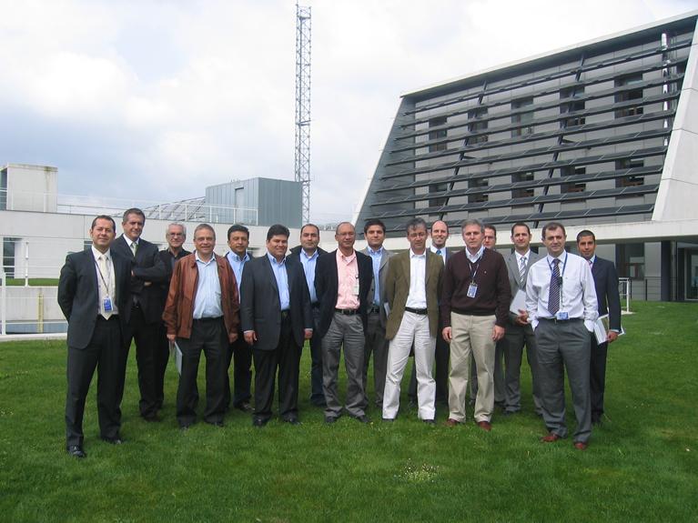 Delegación colombiana encabezada por Edigson Pérez, y Jairo Benavides