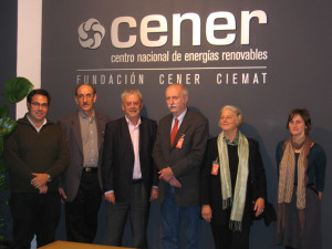 The eminent architect Thomas Herzog and the physicist Stephen Seltkowitz visited CENER today, where they were met by Fernando Sánchez (Technical Director) and Florencio Manteca (Director of CIBARQ 10)